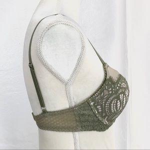 Victoria's Secret Intimates & Sleepwear - Victoria's Secret Dream Angel Lace Push-up Bra 32D